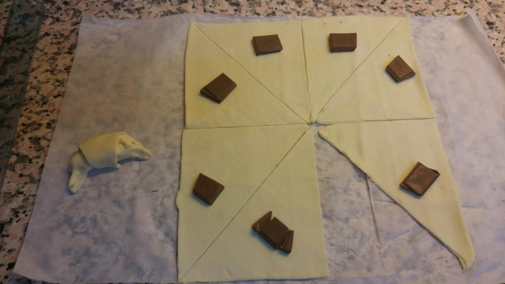 croissant chocolate 2